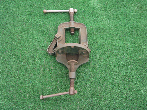 pipe-vise